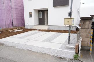 駐車スペースは2台以上可能です。