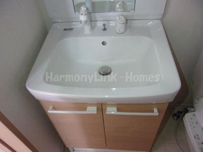 プリエール目白の洗面台のシャワーヘッド
