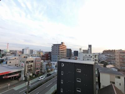 6階部分からの眺望です。 前面に建物がなく開放感◎ございます。