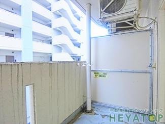 バルコニーの洗濯機置き場