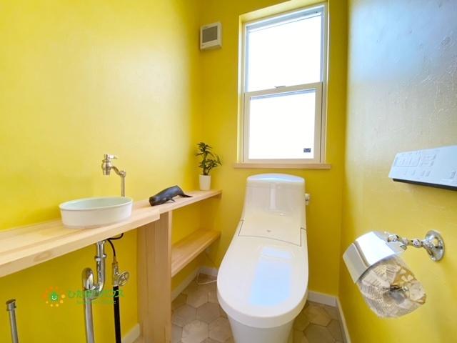 2階のトイレも温水洗浄便座♪