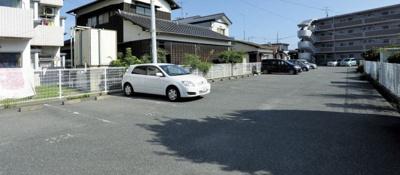 【駐車場】クローバーマンション