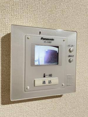 防犯対策に有効なカメラ付きインターホン!突然の来客にもバッチリ対応できちゃいます☆