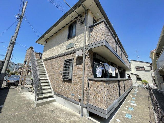 小田急小田原線「向ヶ丘遊園」駅より徒歩8分!「登戸」駅からも徒歩圏内!2駅2沿線利用可能で通勤通学・お買物にも便利な2階建てアパートです♪