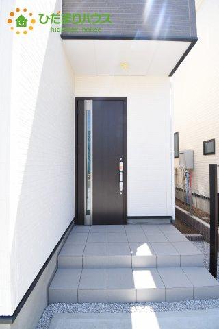 【玄関】上尾市上 15期 新築一戸建て グラファーレ 08
