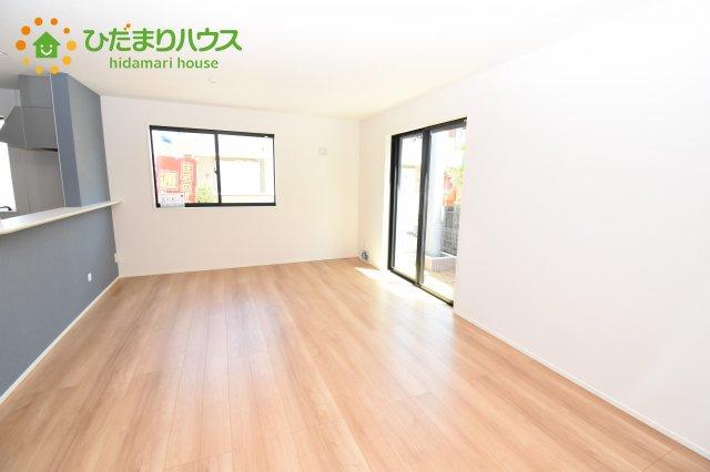 【居間・リビング】上尾市上 15期 新築一戸建て グラファーレ 08