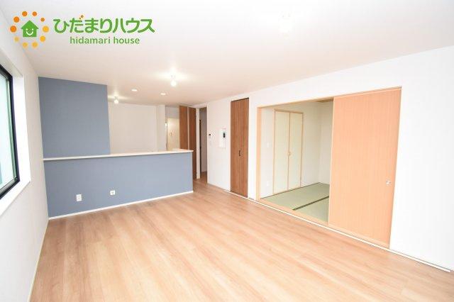 【居間・リビング】上尾市上 15期 新築一戸建て グラファーレ 01