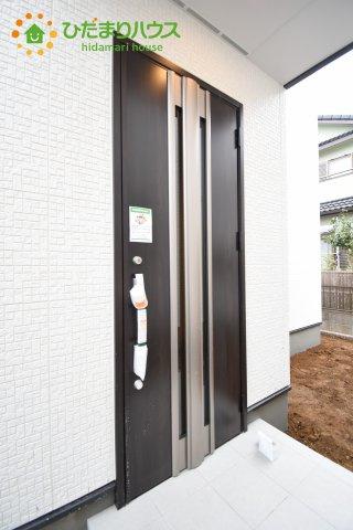 【玄関】上尾市上 15期 新築一戸建て グラファーレ 01