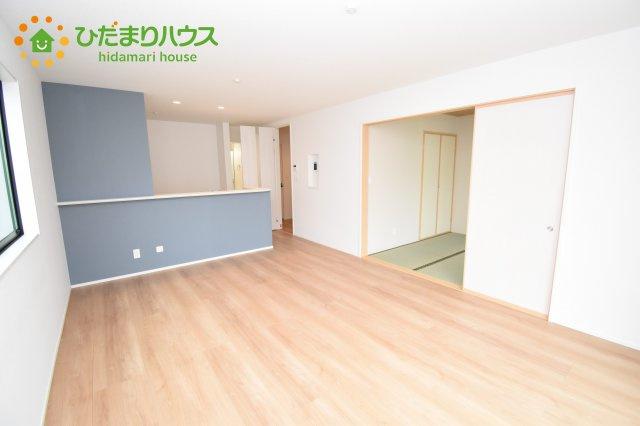 【居間・リビング】上尾市上 15期 新築一戸建て グラファーレ 02