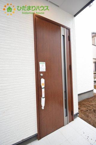 【玄関】上尾市上 15期 新築一戸建て グラファーレ 02