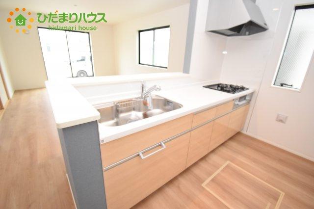 【キッチン】上尾市上 15期 新築一戸建て グラファーレ 02