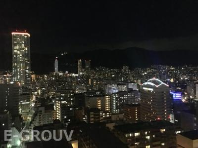 住戸バルコニーからの眺望(夜景)です!神戸の街並みが一望できて、とても綺麗ですね!!