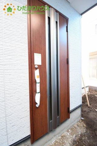 【玄関】上尾市上 15期 新築一戸建て グラファーレ 03