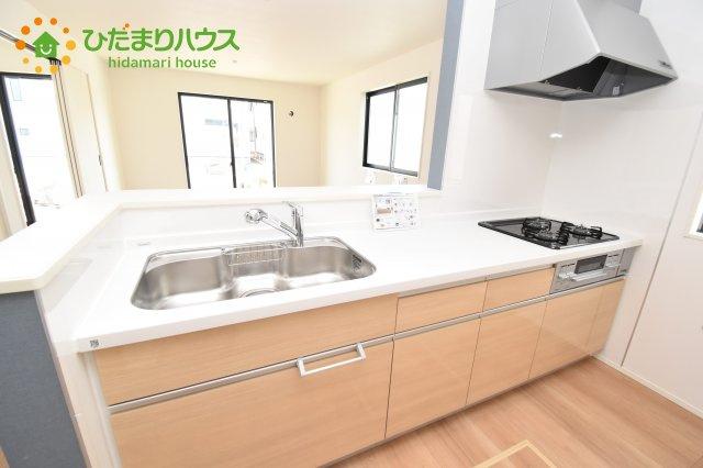 【キッチン】上尾市上 15期 新築一戸建て グラファーレ 03