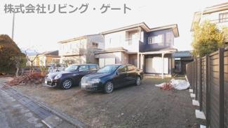 カースペースは並列4台以上駐車可能 とても綺麗な中古住宅