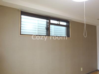 角部屋なので窓があります。
