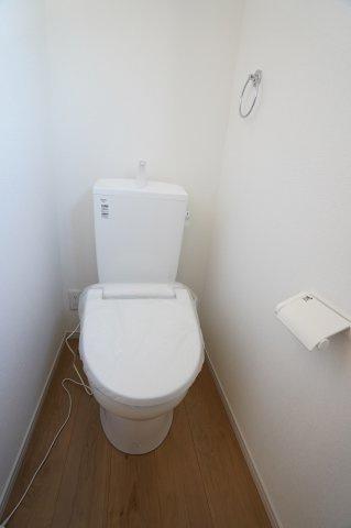 2階もトイレがあるので、朝の使う時間が重なる時も安心ですね。