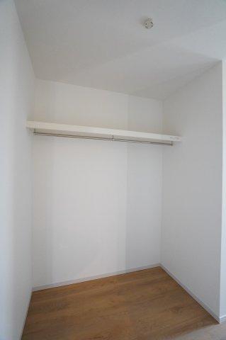 玄関のホールクロークです。シューズインクロークもあるので収納たっぷりで便利ですよ。
