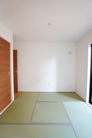 5帖の和室です。来客時に直接和室にお通しできますよ。