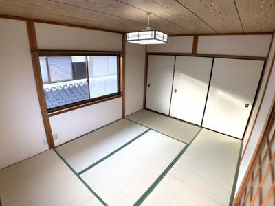 2階6畳和室です♪