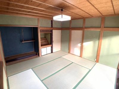 8畳の和室です。日当たりがよく明るい室内です(^^♪