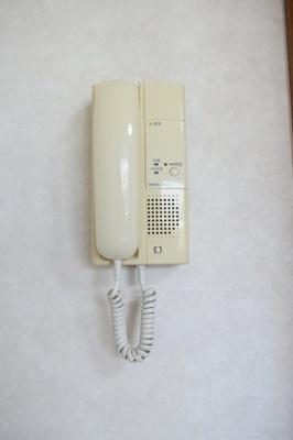 インターフォンがなったら通話できます。