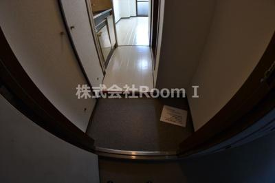 ゆったりとした玄関です 反転
