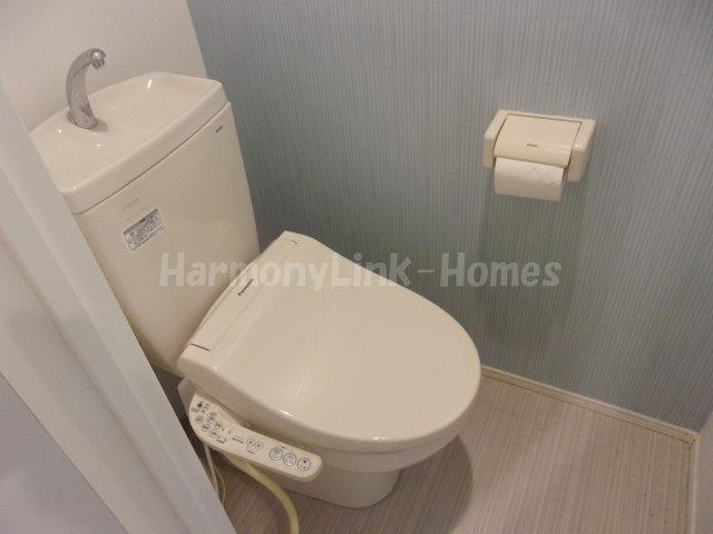 クライムヒルズⅡの落ち着いた色調のトイレです☆