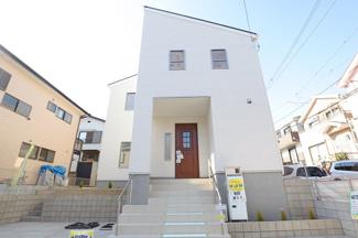 千葉市若葉区桜木北 新築一戸建て 都賀駅  白を基調としたきれいな外観です