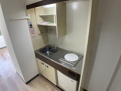 【キッチン】プラットホーム総持寺駅前