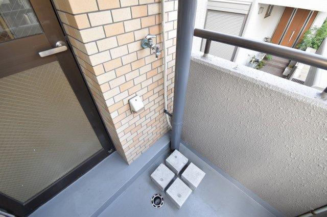 洗濯機はバルコニーに設置可能。