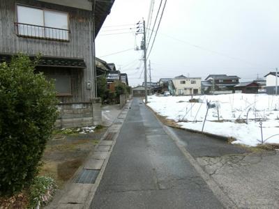 【前面道路含む現地写真】境港市弥生町 中古住宅