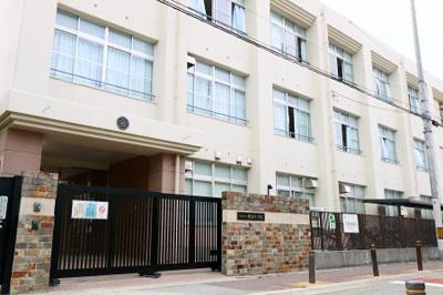 大阪市立榎並小学校まで徒歩5分です