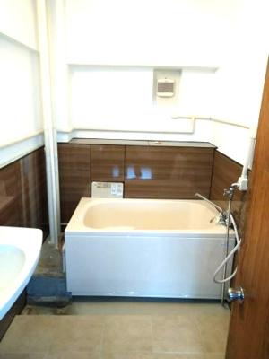 【浴室】松が丘住宅