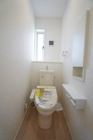 2階 シャワートイレです。