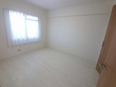 5.6帖の洋室は主寝室にいかがでしょうか。
