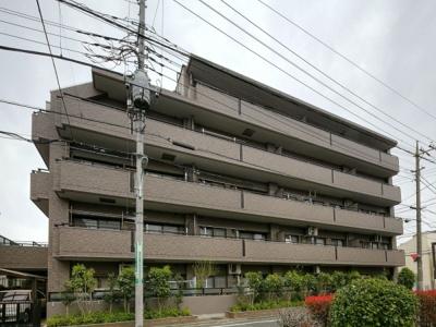 有楽町線「地下鉄成増」駅から徒歩約7分の立地です。