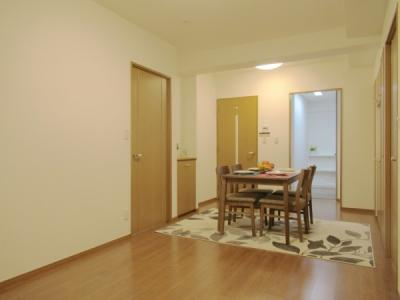 新規リノベーション済できれいなお部屋に生まれ変わりました。