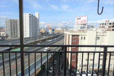 眺望は都会的!遮るも建物がなく、開放感があります。
