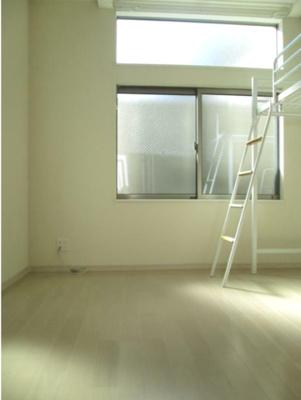 2面採光で開放感のある室内(同一仕様)