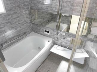 1216サイズの浴室で快適です! 追炊きバス・浴室換気乾燥機能付き!