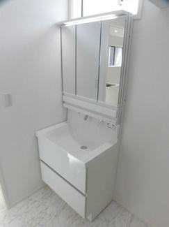 3面鏡タイプの大型洗面台!