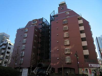 JR常磐緩行線・東京メトロ千代田線直通「金町」駅徒歩約3分。