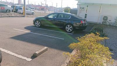 並列で2台駐車可能