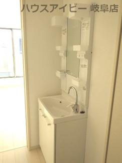 2階には、セカンド洗面付です。岐阜市西中島 新築建売♪