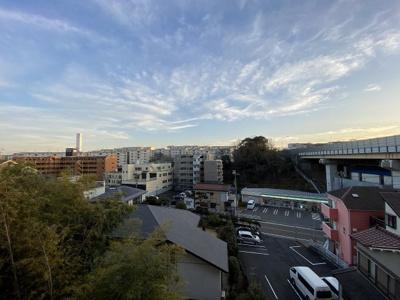 4階部分からの眺望です。 前面に建物がなく陽当たり・風通し◎