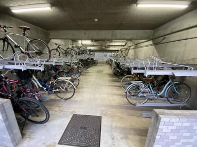 敷地内駐輪場です。