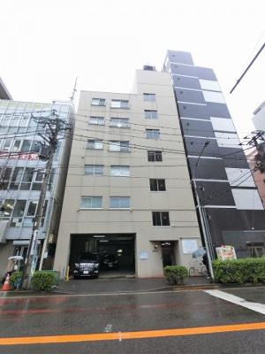 京浜東北線「石川町」駅徒歩2分! 通勤や通学にうれしい近さ、深夜の帰宅時にも安心の好立地です。