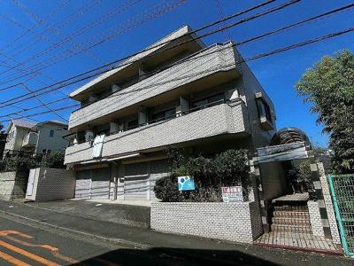 小田急線「柿生」駅より徒歩7分!便利な立地の3階建てマンションです♪通勤通学はもちろん、お買い物やお出かけにもGood☆