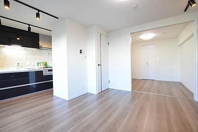 フルスケルトンからのリノベーションを実施、室内大変綺麗です。